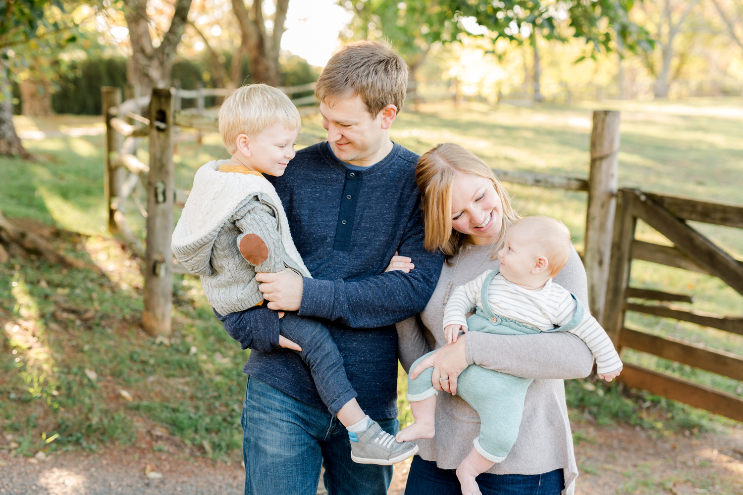 family-of-four-lifestyle-portrait-charlottesville