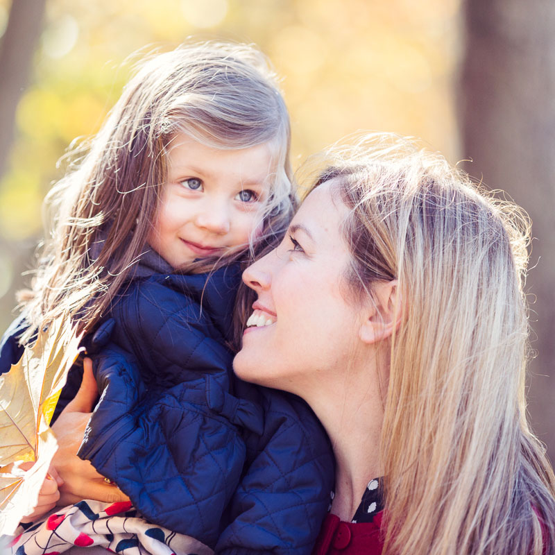 Mother-daughter-portrait-autumn